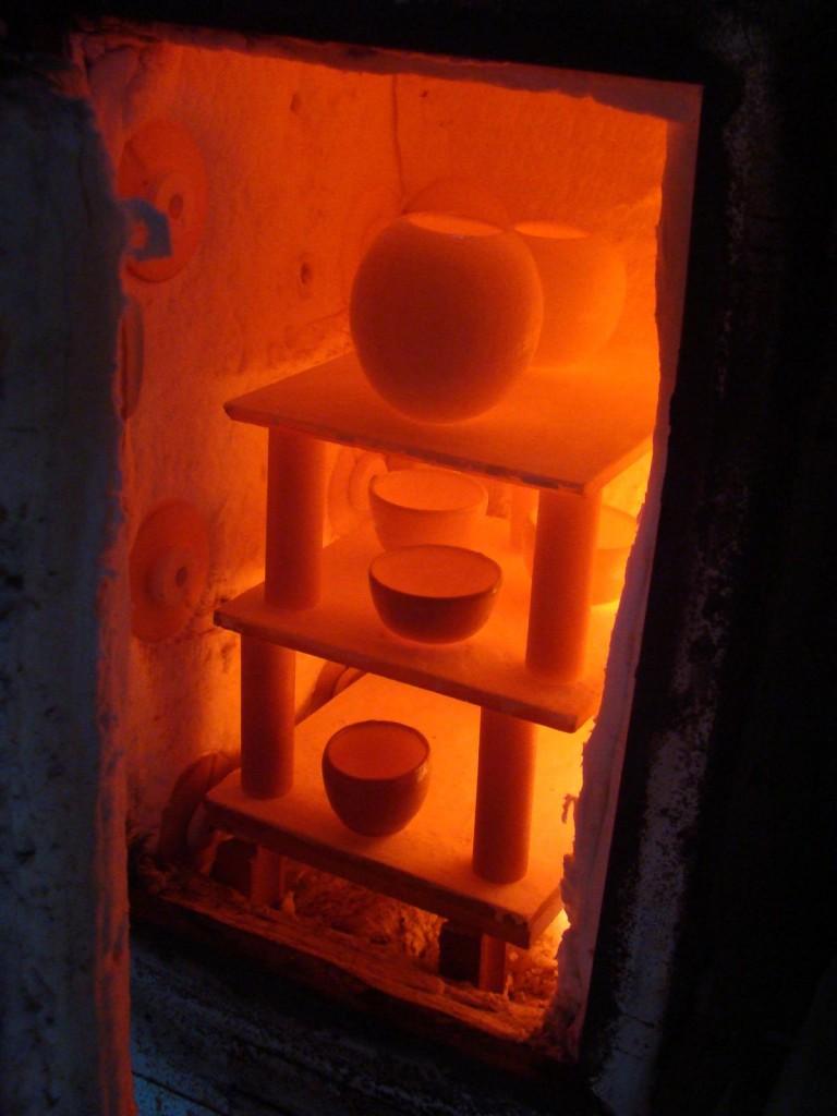 On ouvre le four lorsqu'il est arrivé à haute température pour sortir les pièce en fusion...