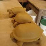 Ces trois tortues sont réalisées chacune avec une technique différente.