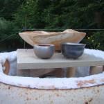 Les premières poteries du four apparaissent, c'est l'heure du défournement.
