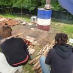 Menée de la cuisson au bois par les stagiaires.