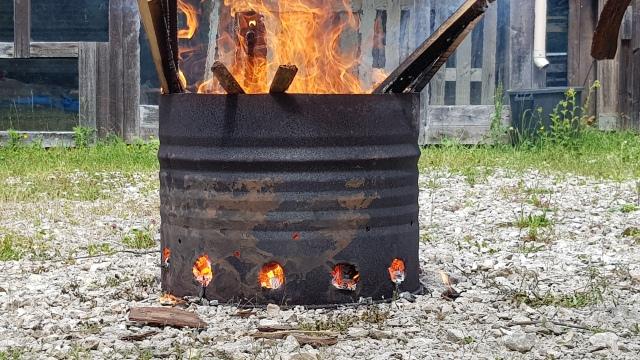 Grand feu de pit firing